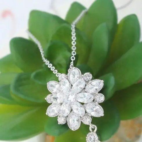 Luxus virág alakú ékszer szett, Rhodium