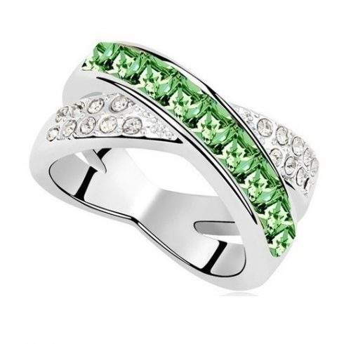 Keresztezett gyűrű, Peridot zöld, Swarovski köves, 8,5
