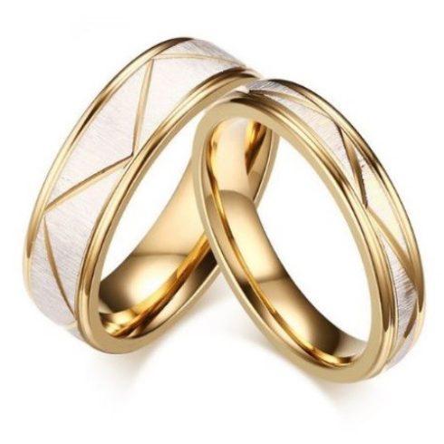 Női karikagyűrű, nemesacél, arany színű, 8-as méret