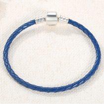 Fonott karkötő, bőr, kék, ezüst kapoccsal, 18 cm