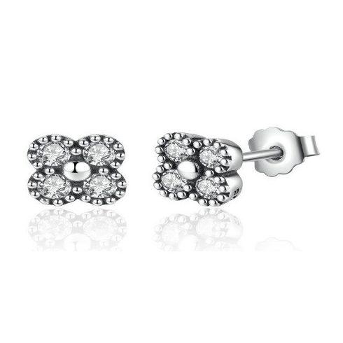 Ezüst, strasszos virág fülbevaló, ezüst színben (Pandora stílus)