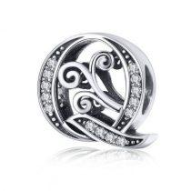 Ezüst Q betű medál cirkónium kristállyal