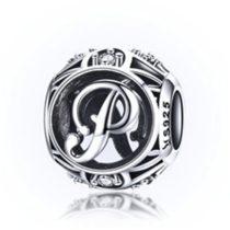 Ezüst P betű medál kristályokkal