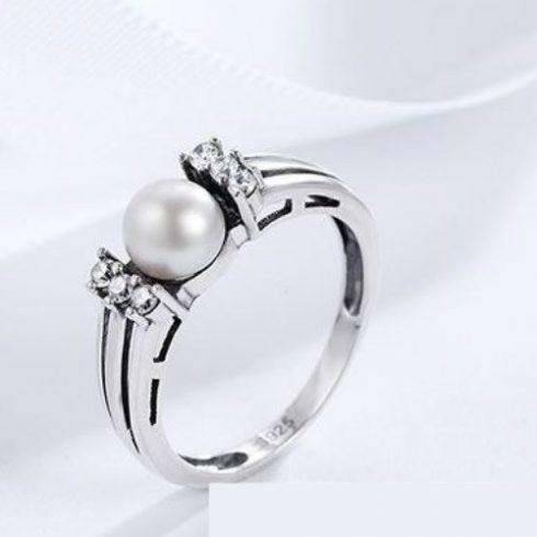 Ezüst gyűrű strasszal és gyönggyel, 7-es méret (Pandora stílus)