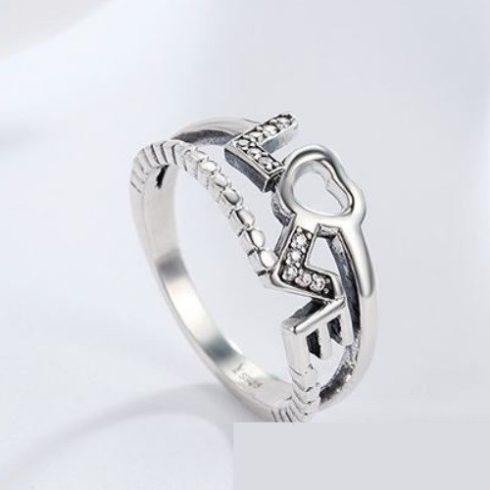 Ezüst gyűrű LOVE motívummal, 7-es méret (Pandora stílus)