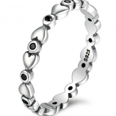 Ezüst gyűrű kristályokkal, fekete, 6-os méret