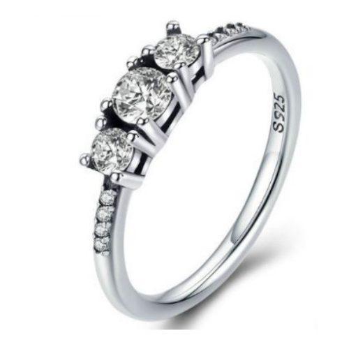 Ezüst gyűrű három kristállyal, 6-os méret (Pandora stílus)