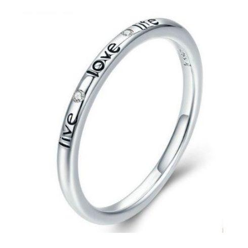 Ezüst gyűrű love felirattal, 7-es méret