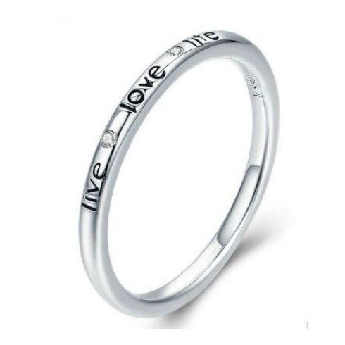 Ezüst gyűrű love felirattal, 8-as méret