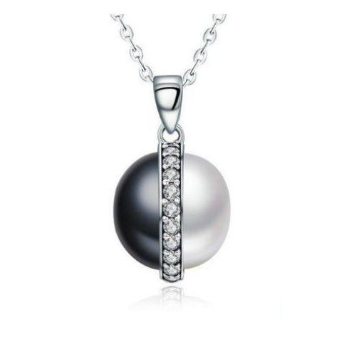 Ezüst nyaklánc gyöngy medállal, fekete-fehér