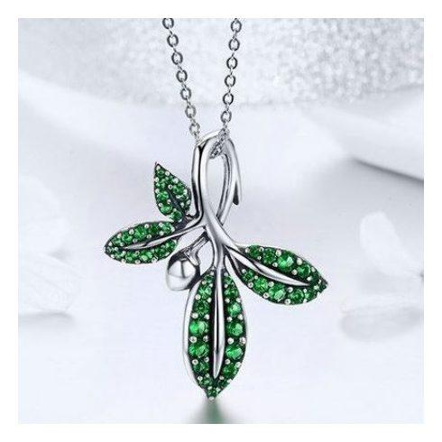 Ezüst nyaklánc leveles medállal, zöld