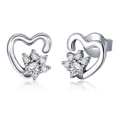 Ezüst fülbevaló, kutyamancs szívvel (Pandora stílus)