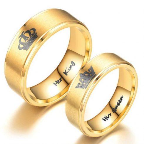 """Nemesacél férfi karikagyűrű, """"Her King"""" felirattal, arany színű, 8-as méret"""