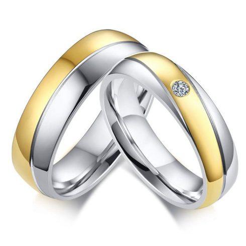 Nemesacél női karikagyűrű aranyozott sávval, 9-es méret