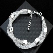 Dupla henger karkötő kocka díszekkel és Swarovski kristályokkal fehér